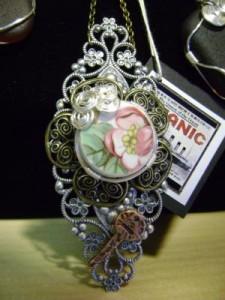 plate_jewellery